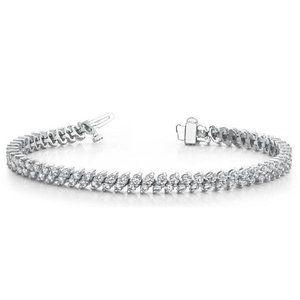 Round cut diamond Tennis bracelet white gold lady
